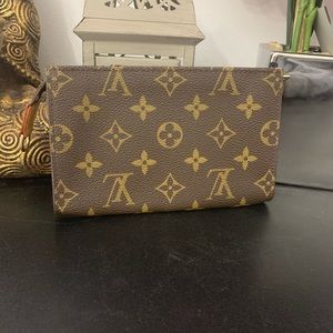 Louis Vuitton Toiletry 15 Pouch